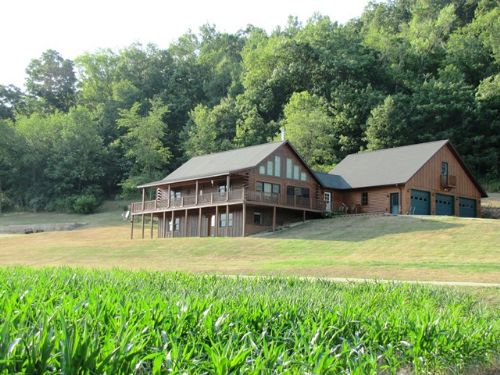 Superb 4 Bedroom Log Home : Richland Center : Richland County : Wisconsin