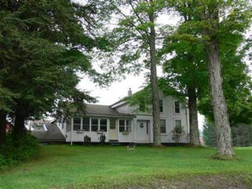Colonial Style Farmhouse : Sidney : Delaware County : New York