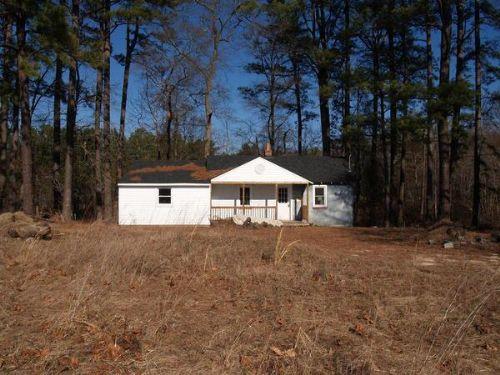 Small Hunting Cabin On 9 Acres : Petersburg : Dinwiddie County : Virginia