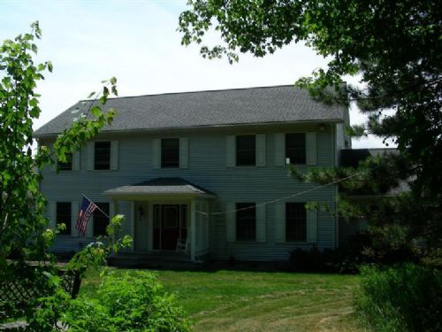 Fantastic Colonial On 5 Acres : Butternuts : Otsego County : New York