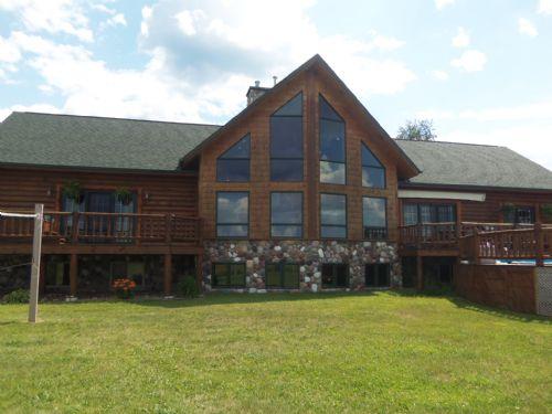 Stunning Log Home On 20 Acres : Fifield : Oneida County : Wisconsin