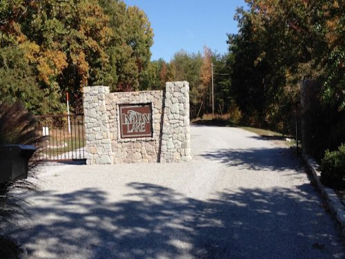 3.7 Acre Waterview Lot : Cedar Grove : Carroll County : Tennessee
