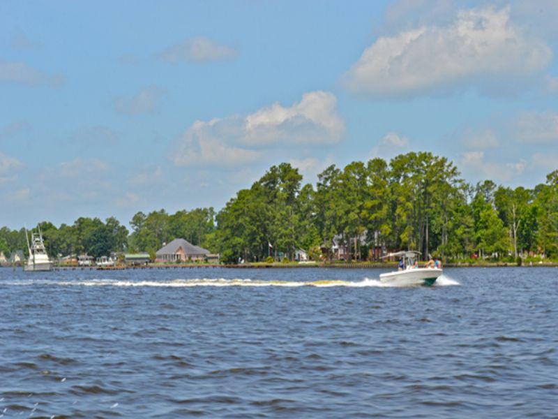 Exclusive Stunning Waterfronts : Washington : Beaufort County : North Carolina