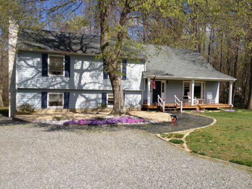 Home On 5.47 Acres In Aylett : Aylett : King William County : Virginia
