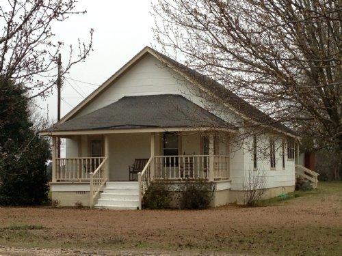 3 Br/2 Ba Home On 5.81 +/- Ac : Troy : Pike County : Alabama