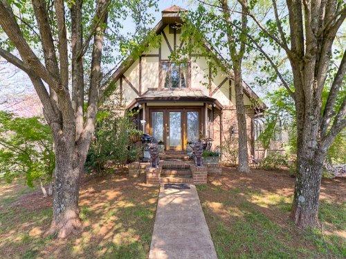 Reduced Beautiful Home And Acreage : Campobello : Spartanburg County : South Carolina