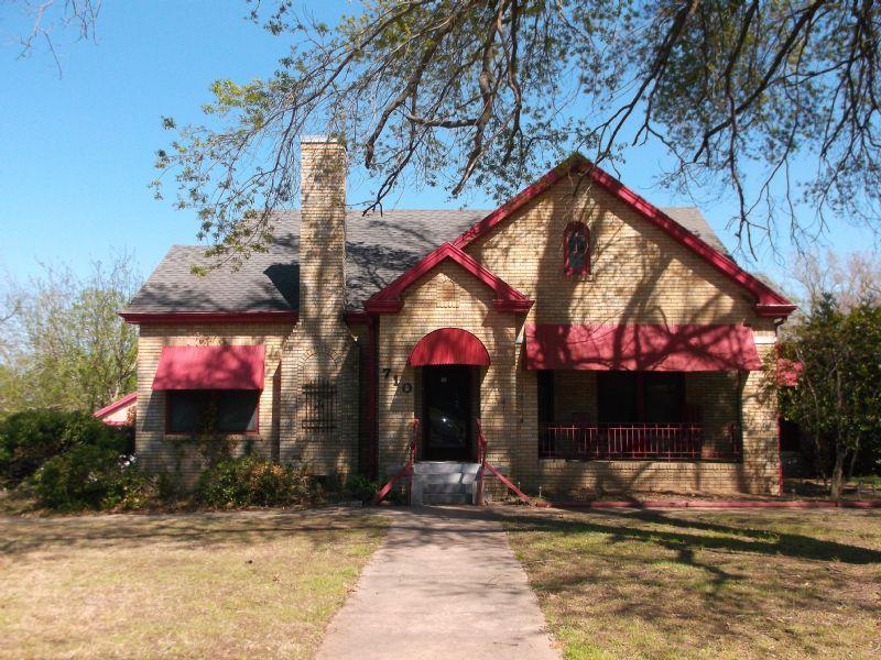 Divine Historic Attraction  : Paris : Lamar County : Texas