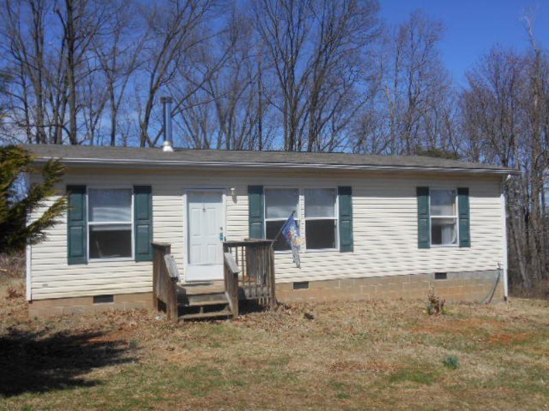 Spears Mountain Home : Winginia : Buckingham County : Virginia