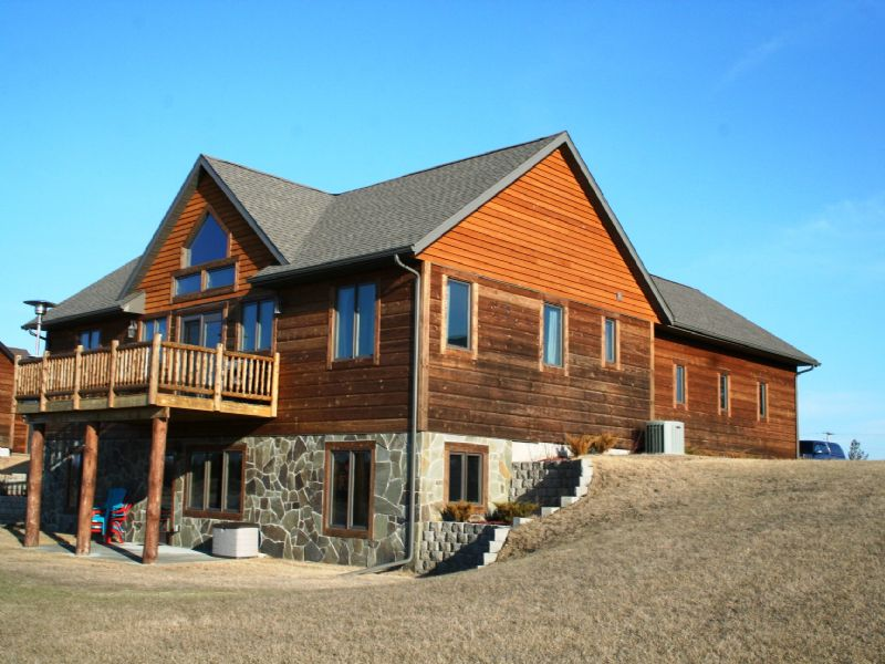 Fully Furnished Waterfront Home : New Lisbon : Juneau County : Wisconsin