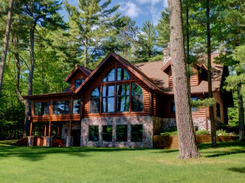 Spectacular Yellow Birch Lake Home : Lincoln : Vilas County : Wisconsin