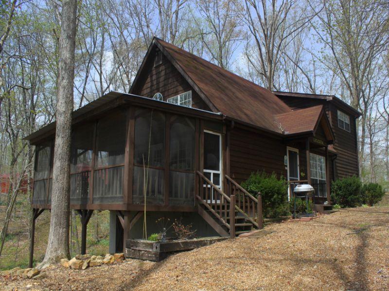 1.20 Ac Weekend Retreat W/boat Dock : Lobelville : Perry County : Tennessee