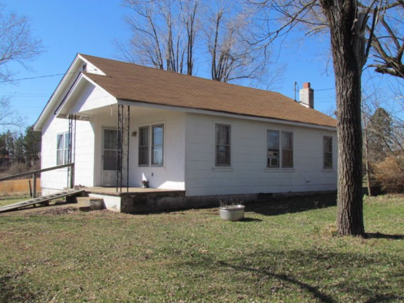 O.f. 3br Home, Basement, Garage : Winona : Shannon County : Missouri