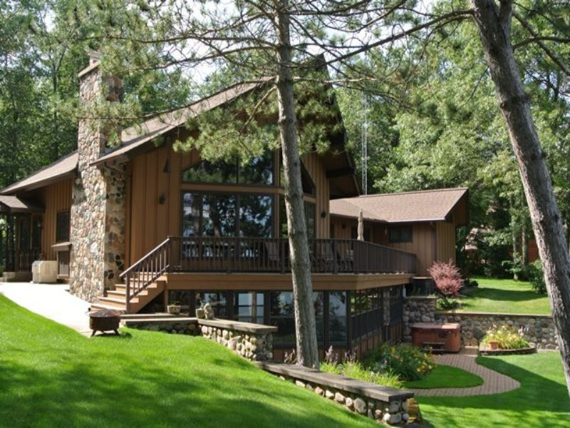 Chalet Home On Big Crawling Stone : Lac Du Flambeau : Vilas County : Wisconsin
