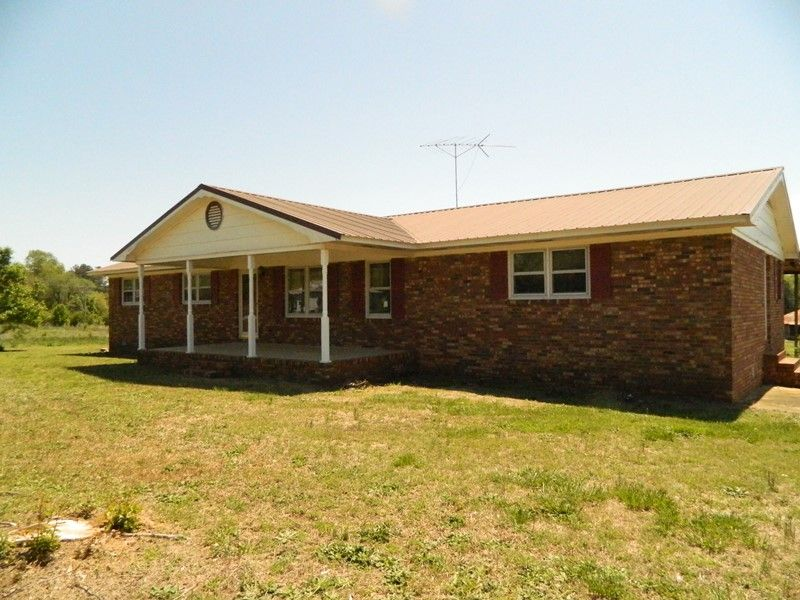 Reduced Brick Ranch On 12.73 Acres : Danielsville : Madison County : Georgia