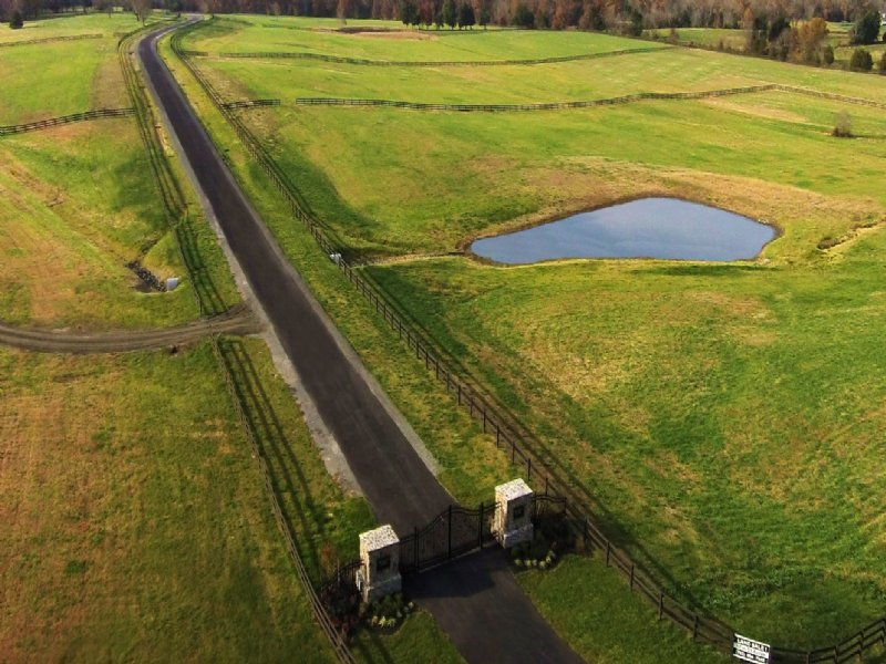 10 Acres - Ponds - Electronic Gate : Nokesville : Prince William County : Virginia