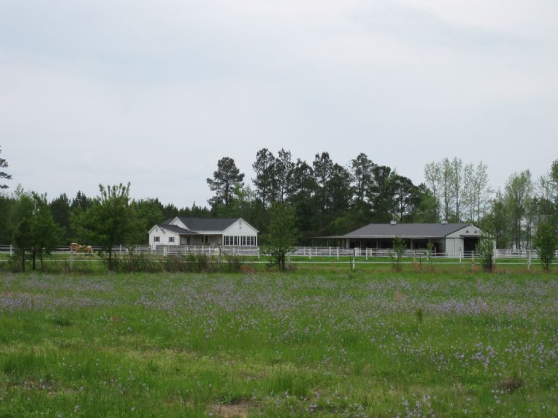 Horse Farm With Stables : Lake City : Florence County : South Carolina
