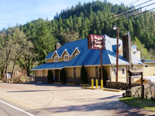 Rogue River Lodge : Trail : Jackson County : Oregon