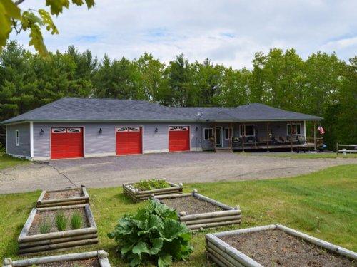Beautiful Beddington Lake Home : Beddington : Washington County : Maine