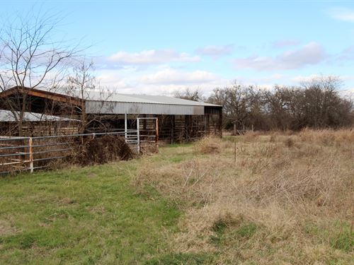 Equine Training Facility For Sale : Lake Creek : Delta County : Texas