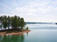 Amazing Peninsula Lakefront