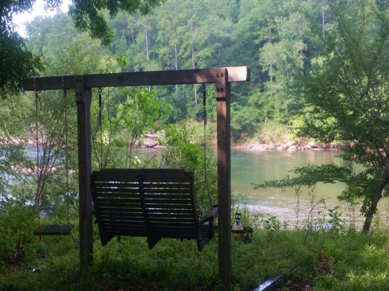 Incredible Private River Front Lot : Juliette : Monroe County : Georgia
