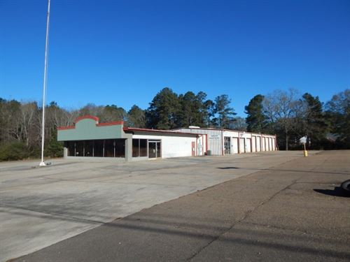 Commercial Bldg, On 4.157 Acres : McComb : Pike County : Mississippi